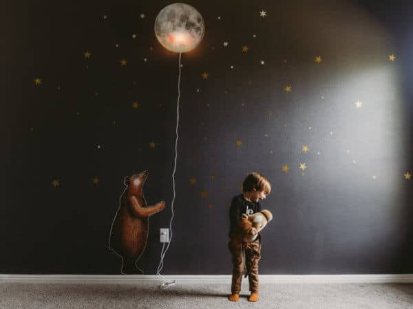 hartendief moon lamp bear sticker wall decal kids room inspiration Montessori kids clothes, baby, toddlers bambi hoodie bunny alpaca oeuf nyc autism mom blog autistic