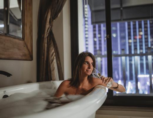 cromwell suite las vegas bathtub view